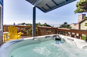 Manzanita Beach Cottage - Hot Tub, Pet Friendly