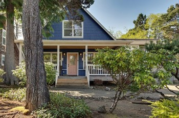 Barefoot Bungalow & Carriage House - New! Monthly Options