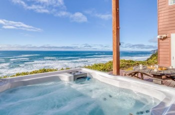 Colby's Run - Private Ocean View Hot Tub!